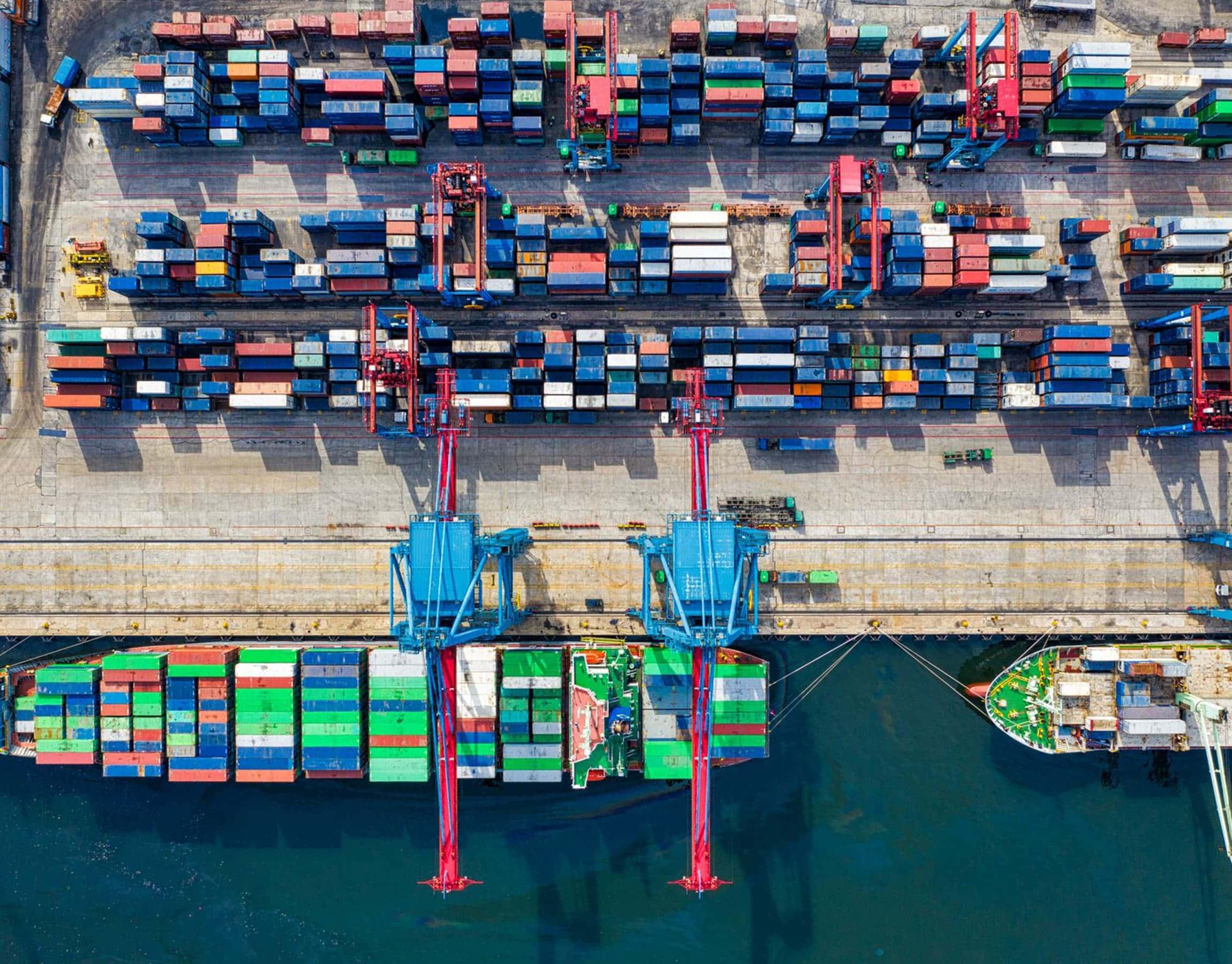 Area portuale per il caricamento cargo