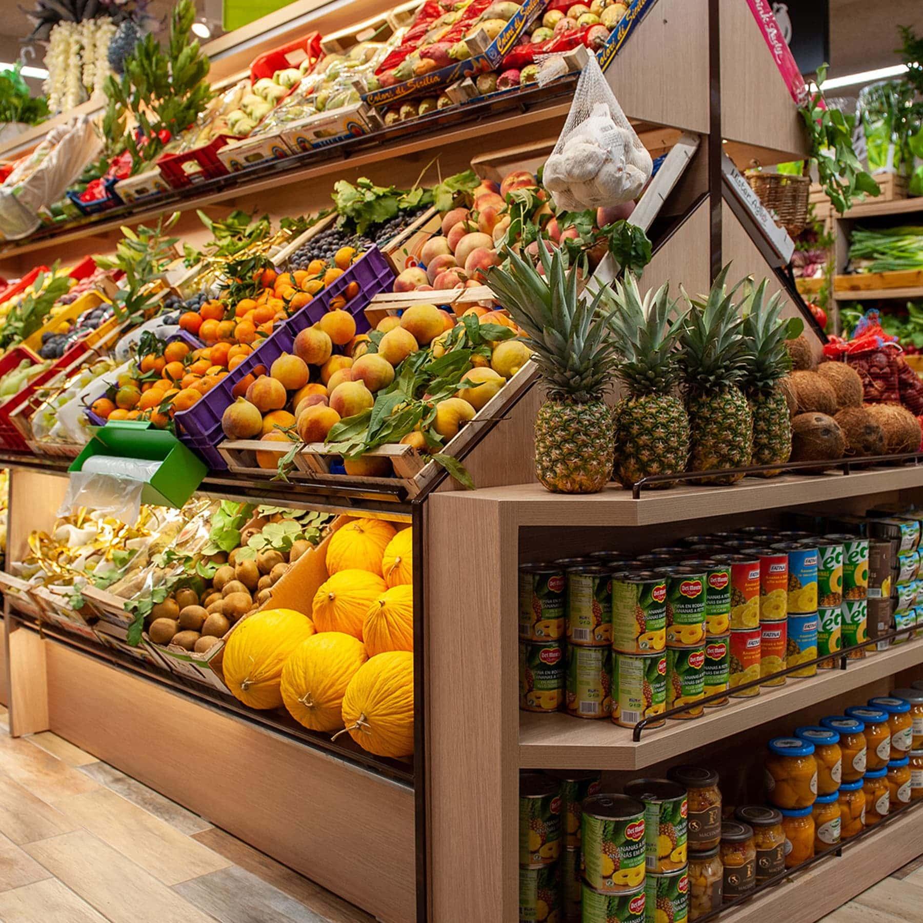 Dettaglio reparto ortofrutticolo di un supermercato della Grande Distribuzione Organizzata (GDO)